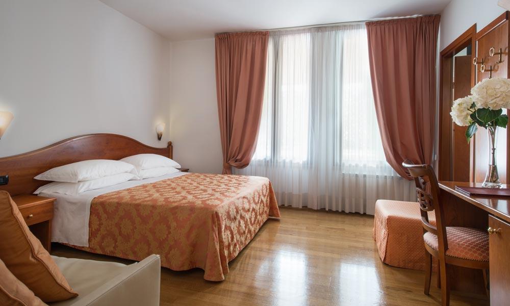 camera tripla Hotel La Villetta Firenze
